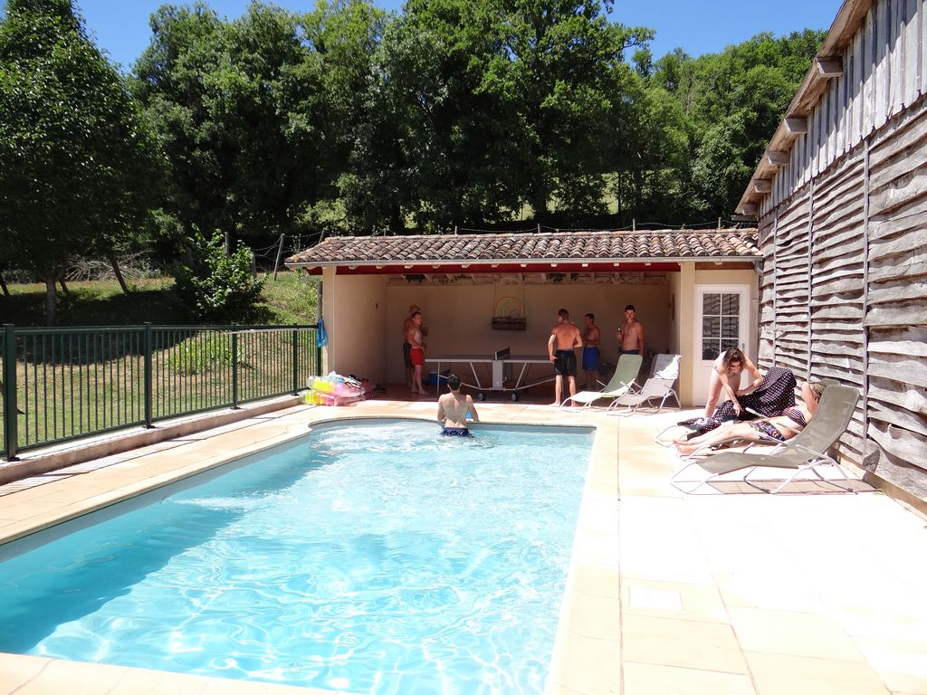 June 2015 lauzanac locations de vacances for Autorisation pour piscine